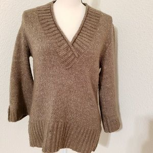 Carolyn Taylor Sz Med Button Sleeve Toupe Sweater